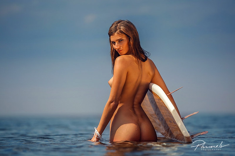 nude surfing foto martins plume surfing surf girl nude art