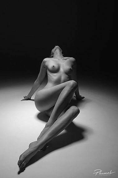 Kailfoto, nude art, fotografs Martins Plume, Latvia, nude model,b&w nude, makslinieciski kailfoto, (2)