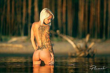 Seksīga meitene, seksīgs dibens, Kailfoto, Fotogrāfs Mārtiņš Plūme