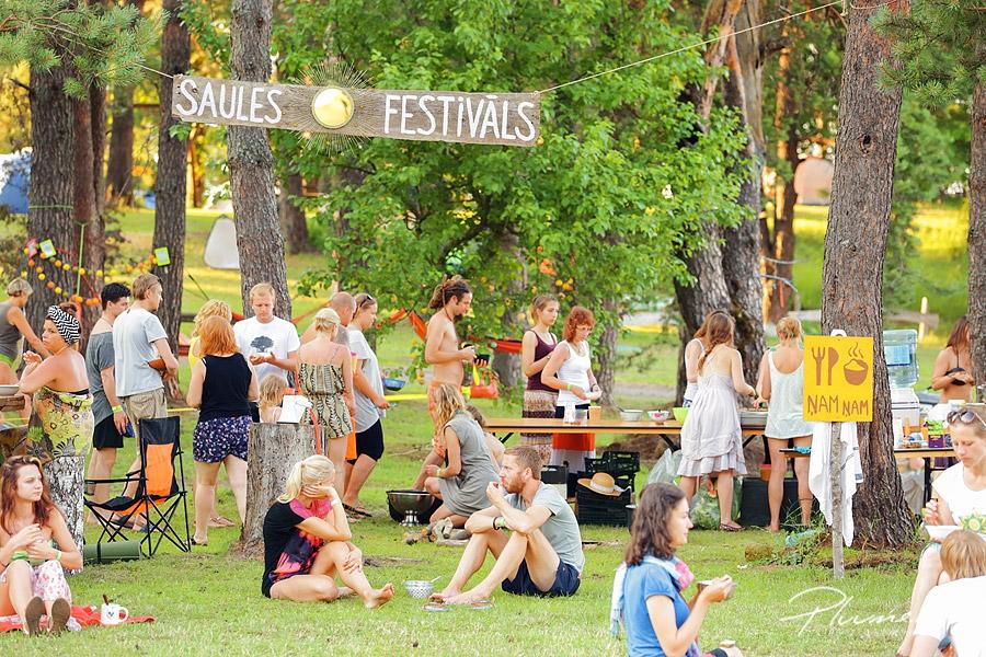 Saules festivals, fotografs martins plume, pluume, atputa gimenei